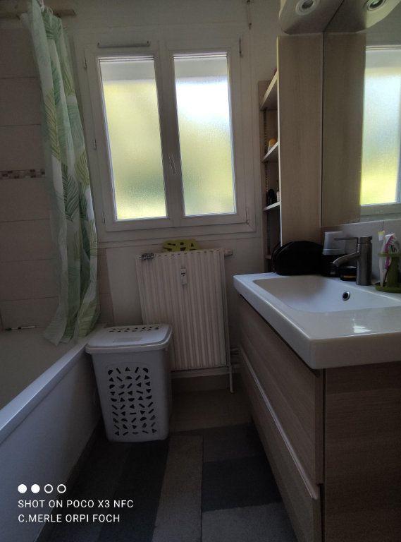 Appartement à vendre 3 61.44m2 à Clermont-Ferrand vignette-7