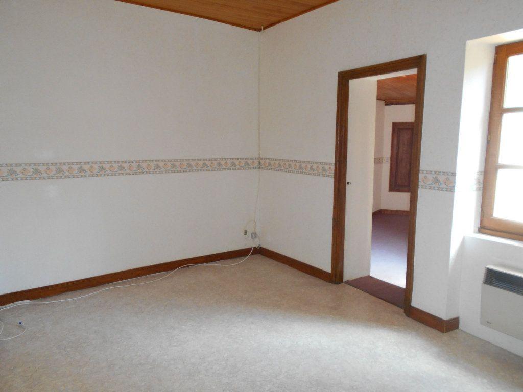Maison à louer 5 90m2 à Chanonat vignette-8