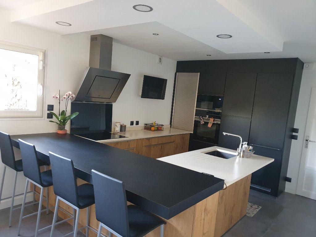 Maison à vendre 7 198m2 à Toulouse vignette-2