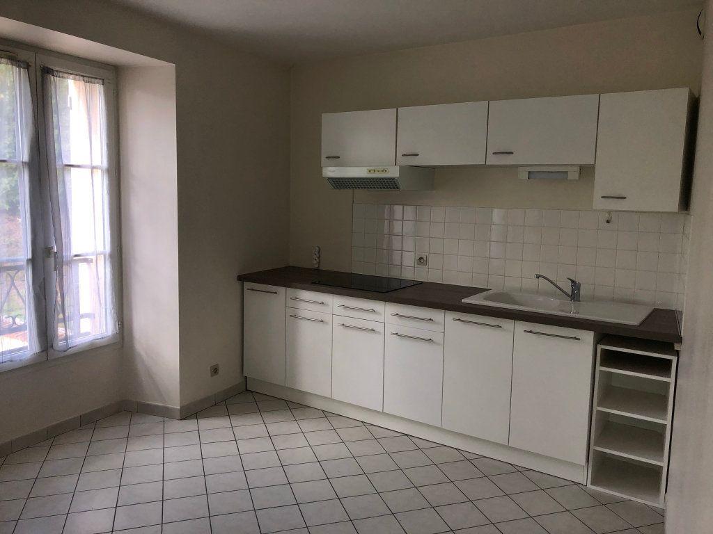 Appartement à louer 2 33m2 à Étréchy vignette-1