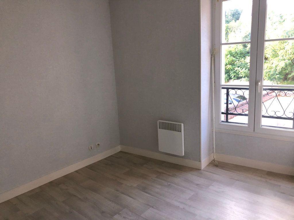 Appartement à louer 2 33m2 à Étréchy vignette-2