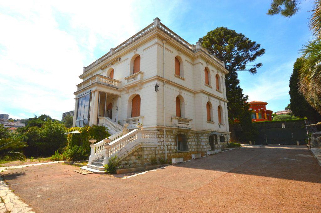 Maison à vendre 13 370m2 à Nice vignette-1