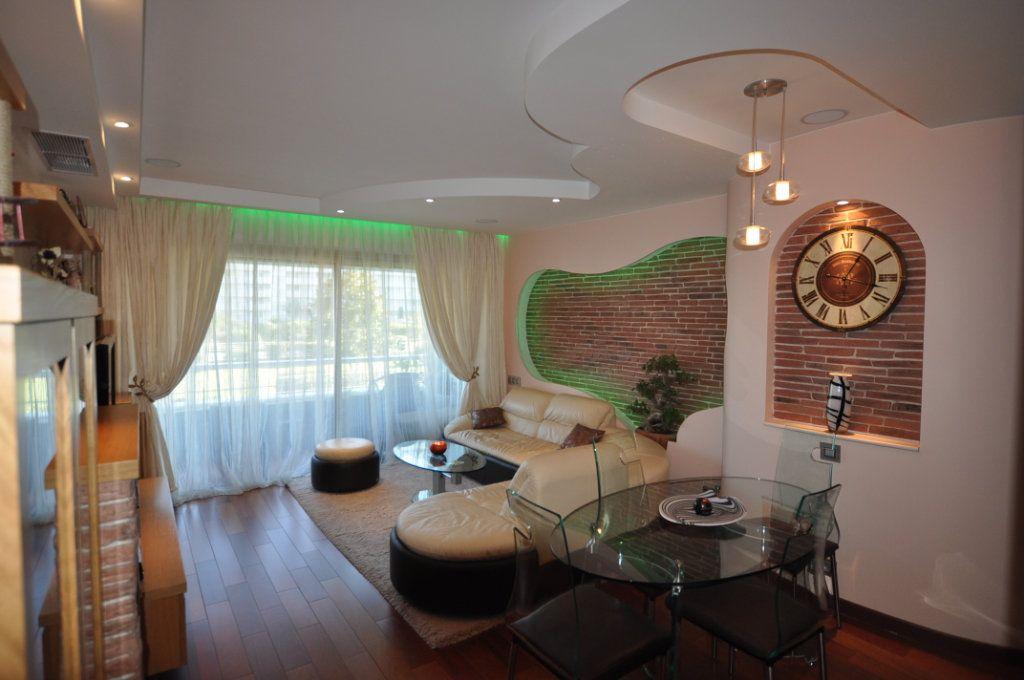 Appartement à vendre 3 80m2 à Villeneuve-Loubet vignette-2