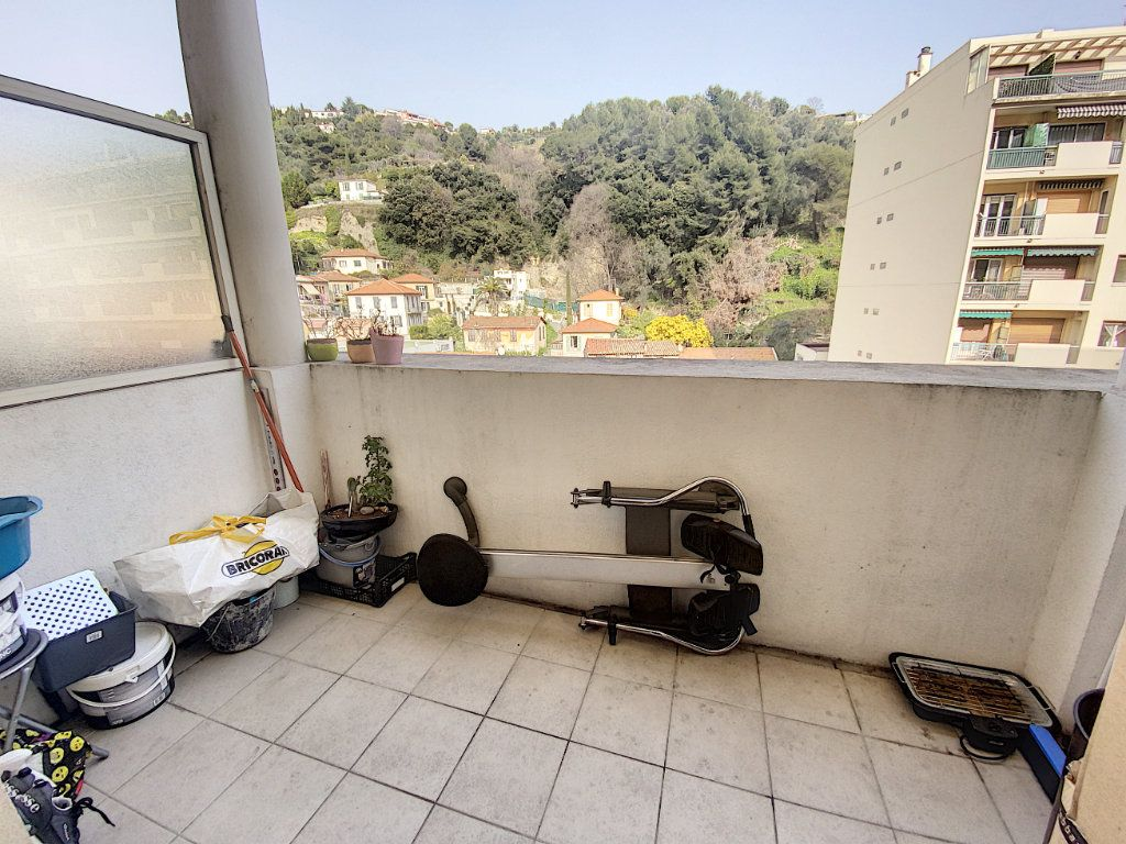 Appartement à vendre 1 29m2 à Nice vignette-1