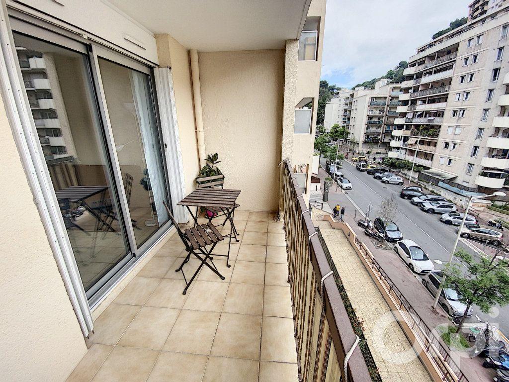 Appartement à vendre 3 64m2 à Nice vignette-8