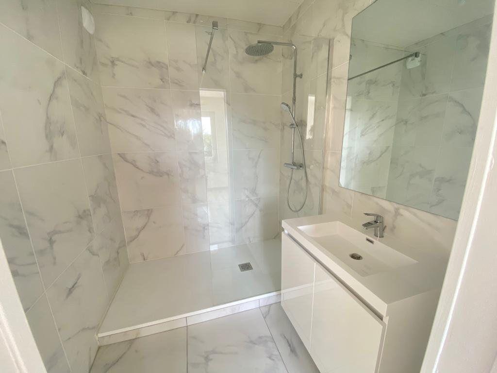 Appartement à vendre 4 79m2 à Pornichet vignette-4