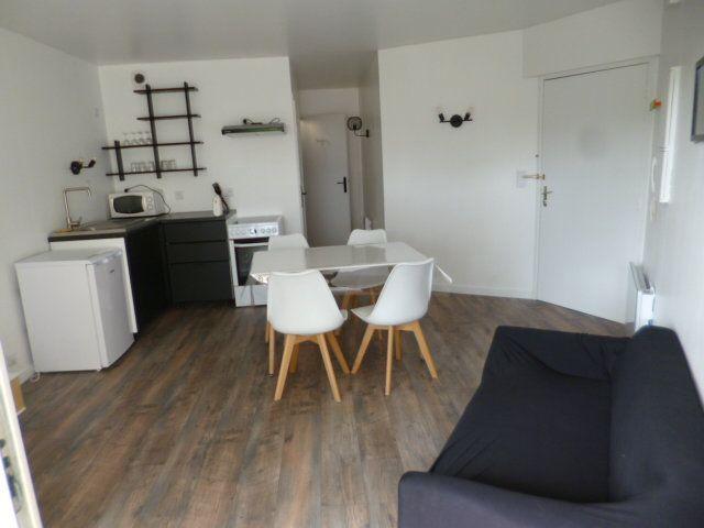 Appartement à louer 2 35m2 à Guérande vignette-1