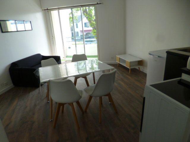 Appartement à louer 2 35m2 à Guérande vignette-2