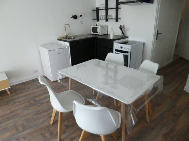 Appartement à louer 2 35m2 à Guérande vignette-3