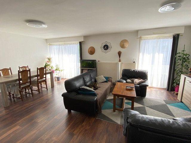 Appartement à vendre 4 93.79m2 à Guérande vignette-1