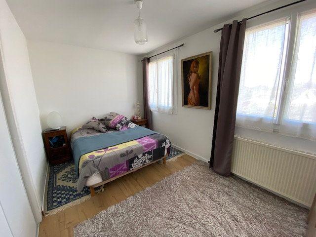 Appartement à vendre 4 93.79m2 à Guérande vignette-4