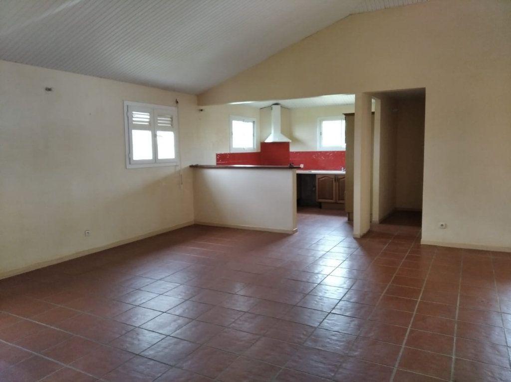 Appartement à louer 4 107.8m2 à Sainte-Luce vignette-1