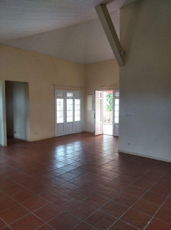 Appartement à louer 4 107.8m2 à Sainte-Luce vignette-3