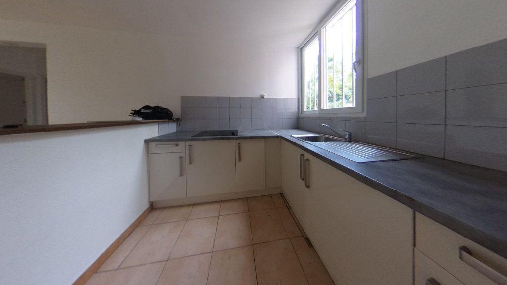 Appartement à vendre 3 63.96m2 à Rivière-Salée vignette-1