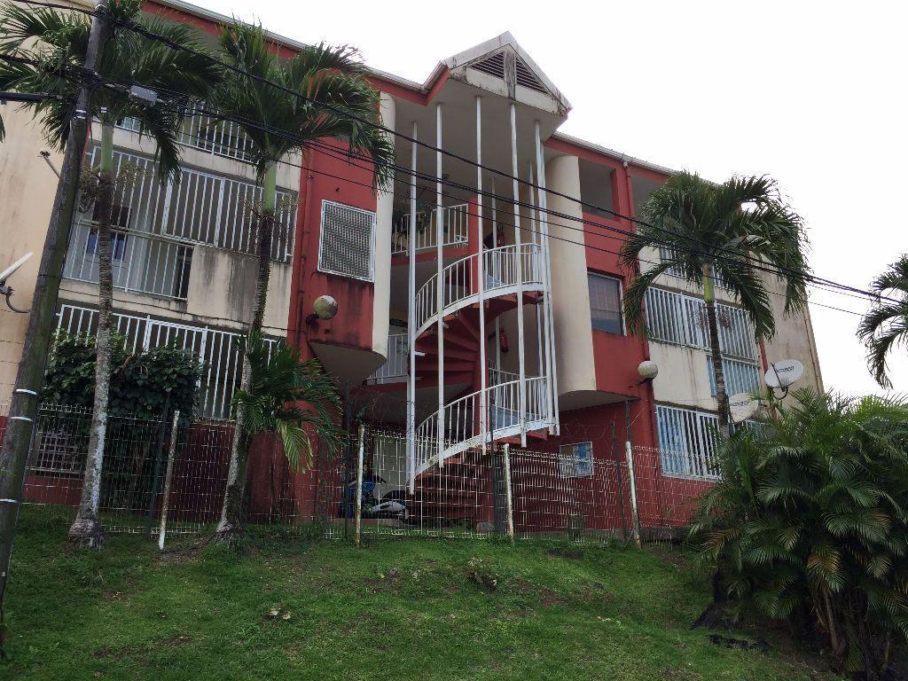 Appartement à vendre 3 63.96m2 à Rivière-Salée vignette-3
