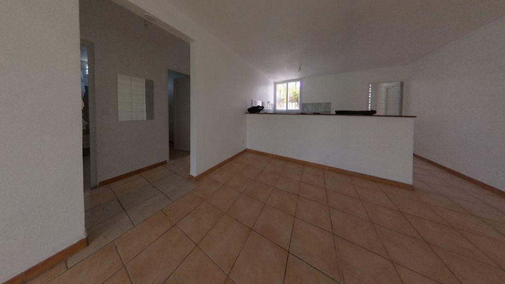 Appartement à vendre 3 63.96m2 à Rivière-Salée vignette-4