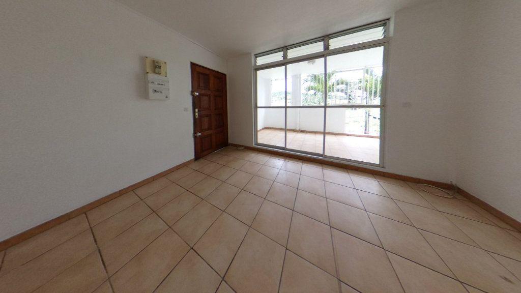 Appartement à vendre 3 63.96m2 à Rivière-Salée vignette-5