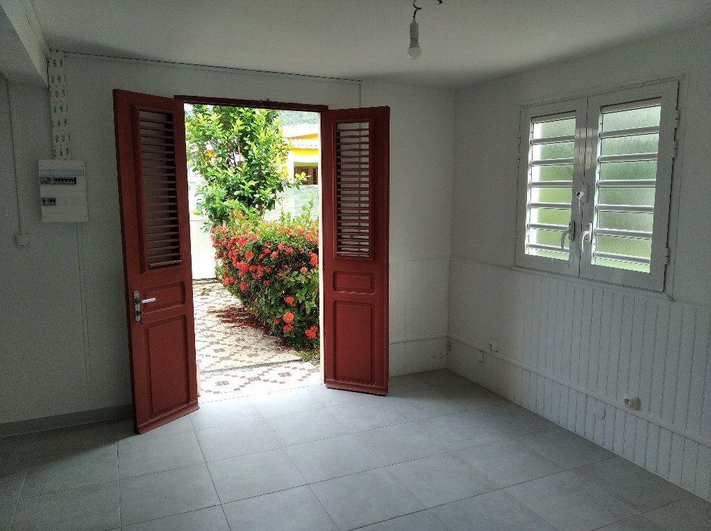Appartement à louer 2 31.82m2 à Sainte-Luce vignette-1