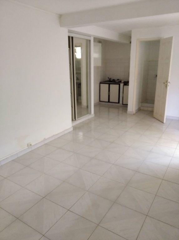 Appartement à louer 1 21m2 à Sainte-Luce vignette-1