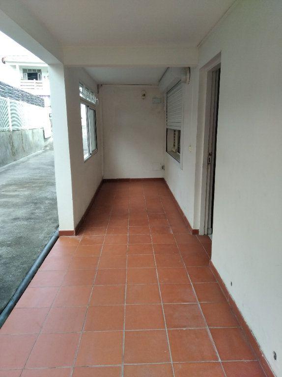 Appartement à louer 1 21m2 à Sainte-Luce vignette-2