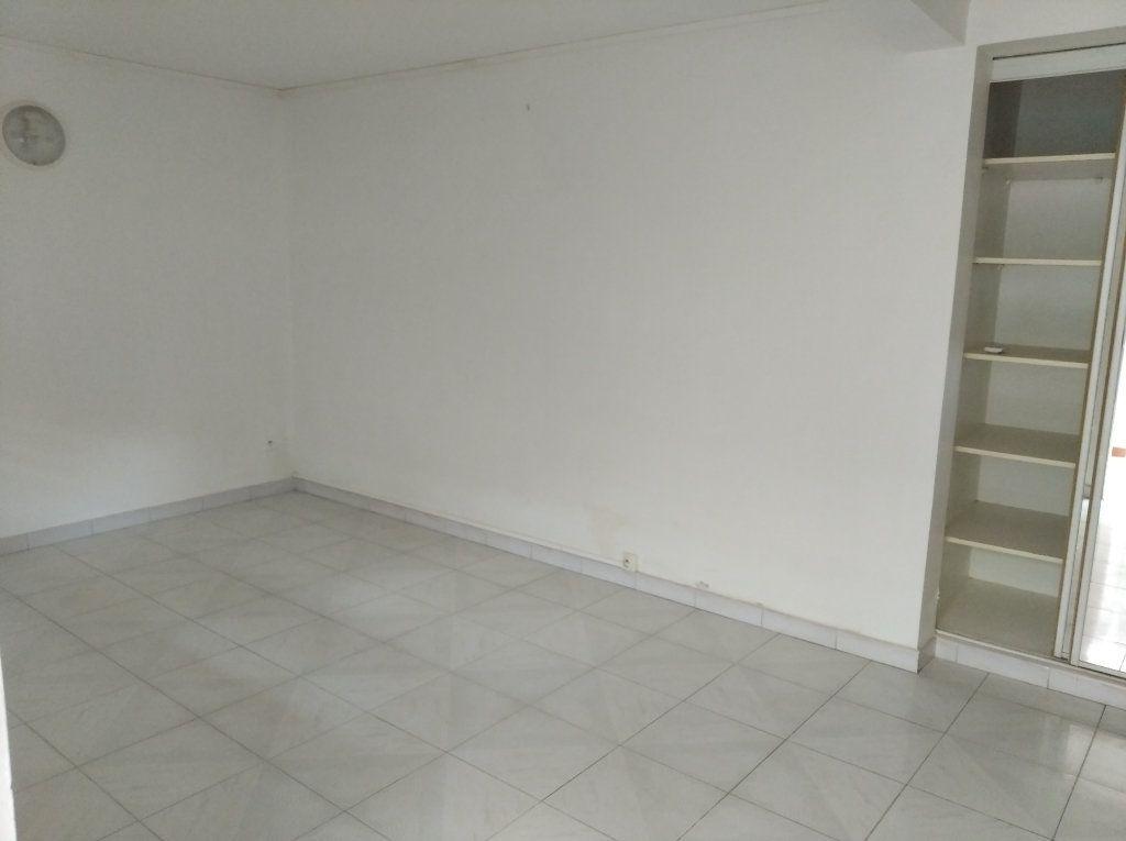 Appartement à louer 1 21m2 à Sainte-Luce vignette-4