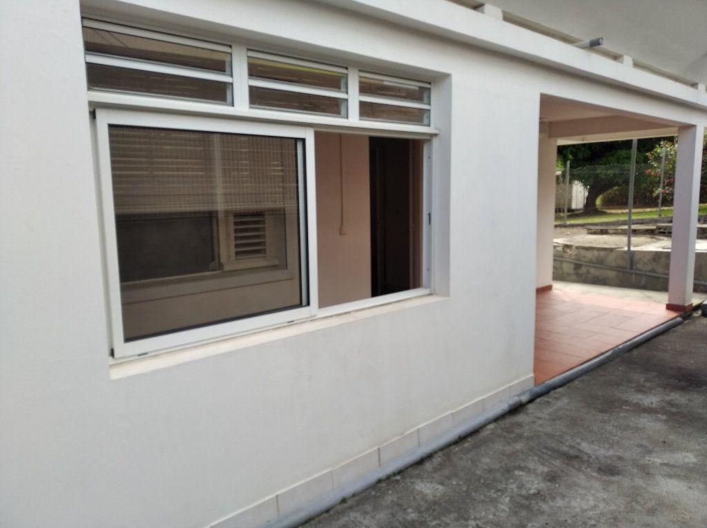 Appartement à louer 1 21m2 à Sainte-Luce vignette-5