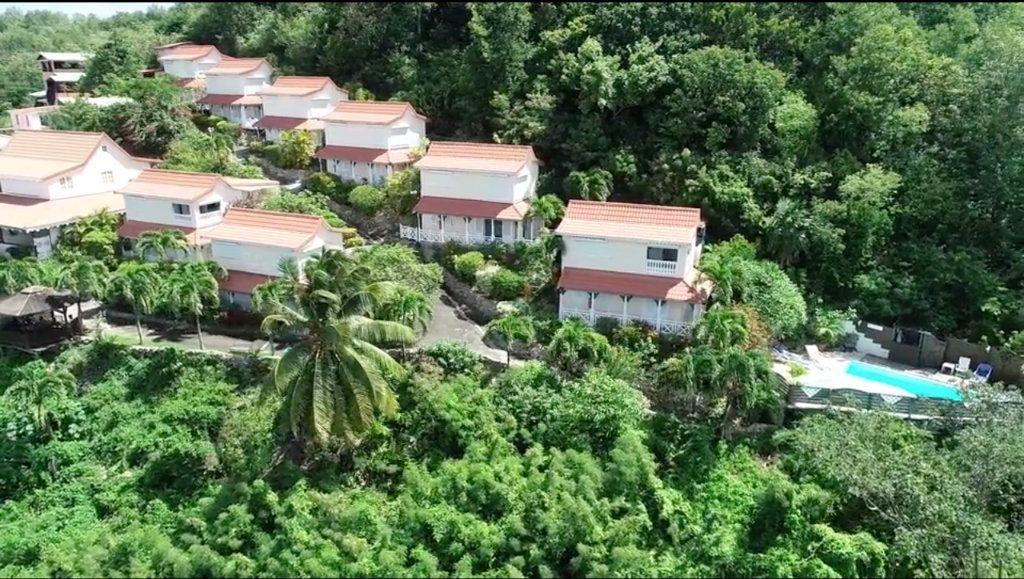 Appartement à vendre 4 76m2 à Sainte-Anne vignette-2