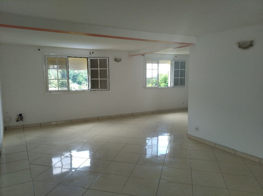 Appartement à louer 4 135m2 à Le Marin vignette-2