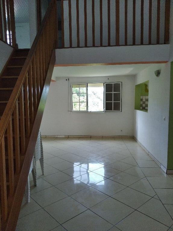 Appartement à louer 4 135m2 à Le Marin vignette-4