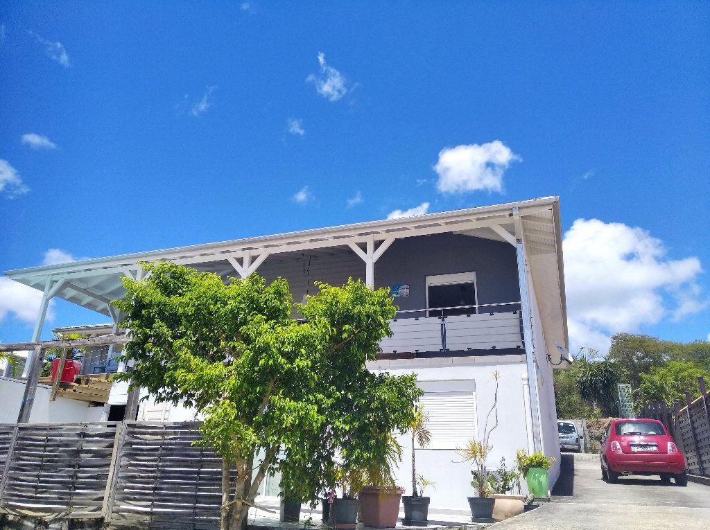 Maison à louer 5 125m2 à Sainte-Luce vignette-1