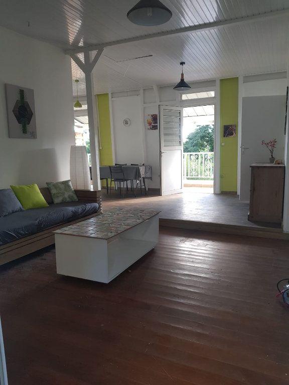 Appartement à louer 2 70m2 à Rivière-Pilote vignette-1