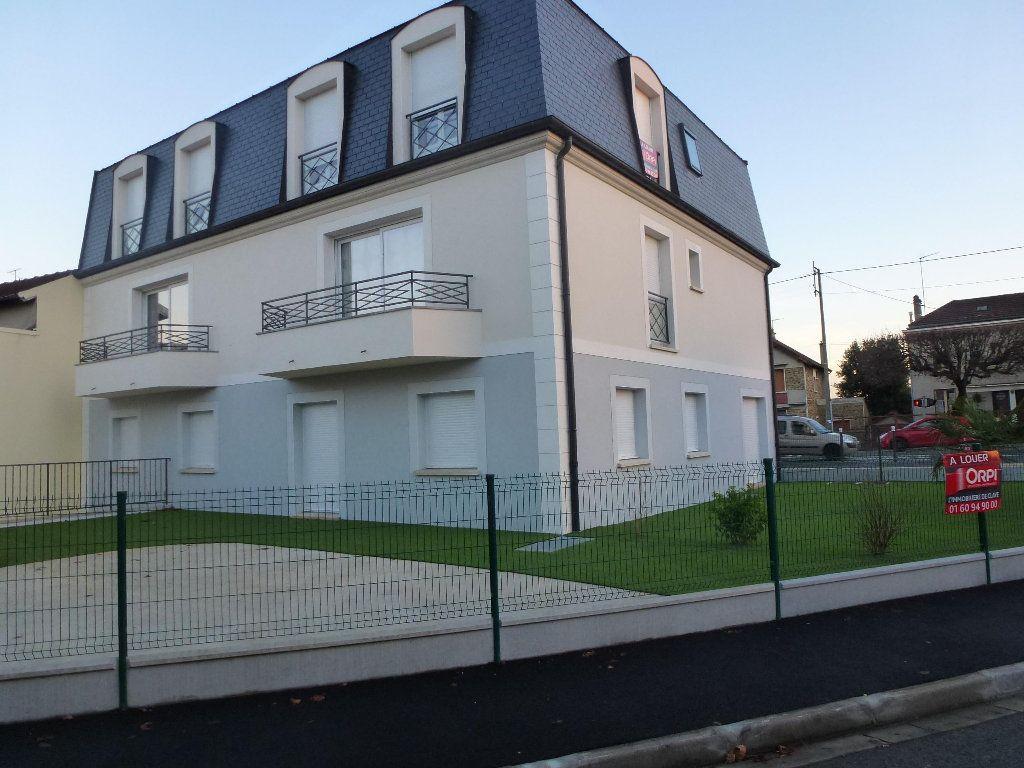 Appartement à louer 3 74m2 à Brou-sur-Chantereine vignette-1