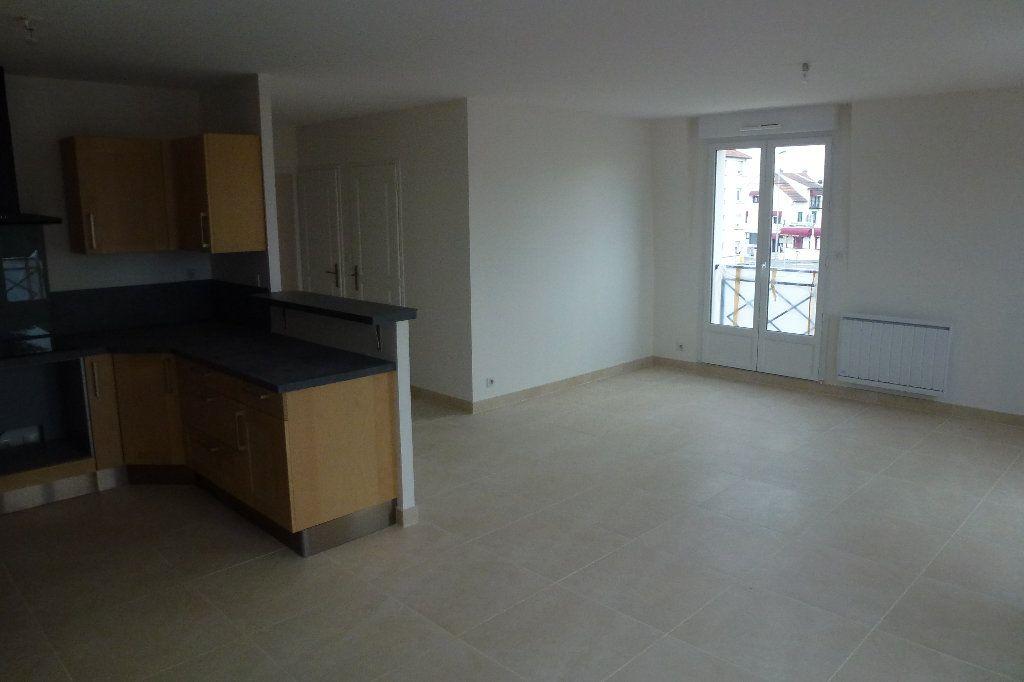 Appartement à louer 3 74m2 à Brou-sur-Chantereine vignette-4