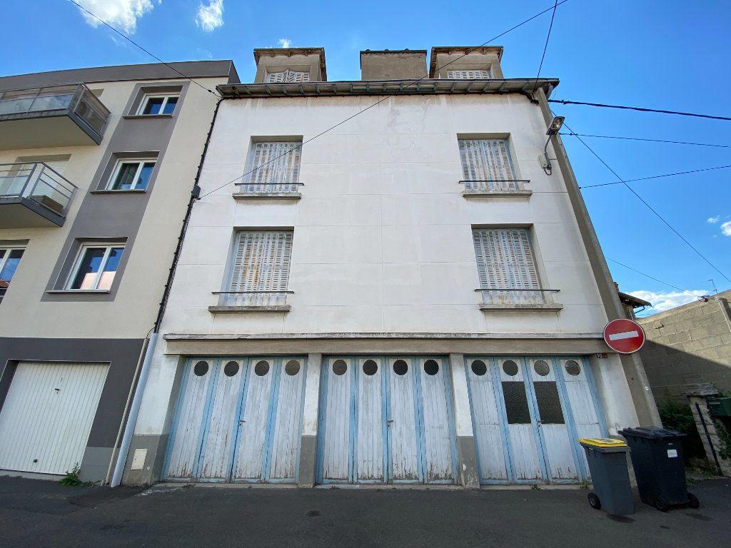 Immeuble à vendre 0 260m2 à Clermont-Ferrand vignette-1