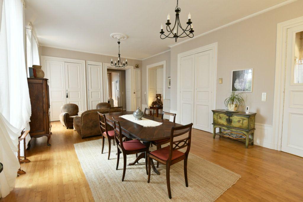 Appartement à vendre 5 162.39m2 à Clermont-Ferrand vignette-3