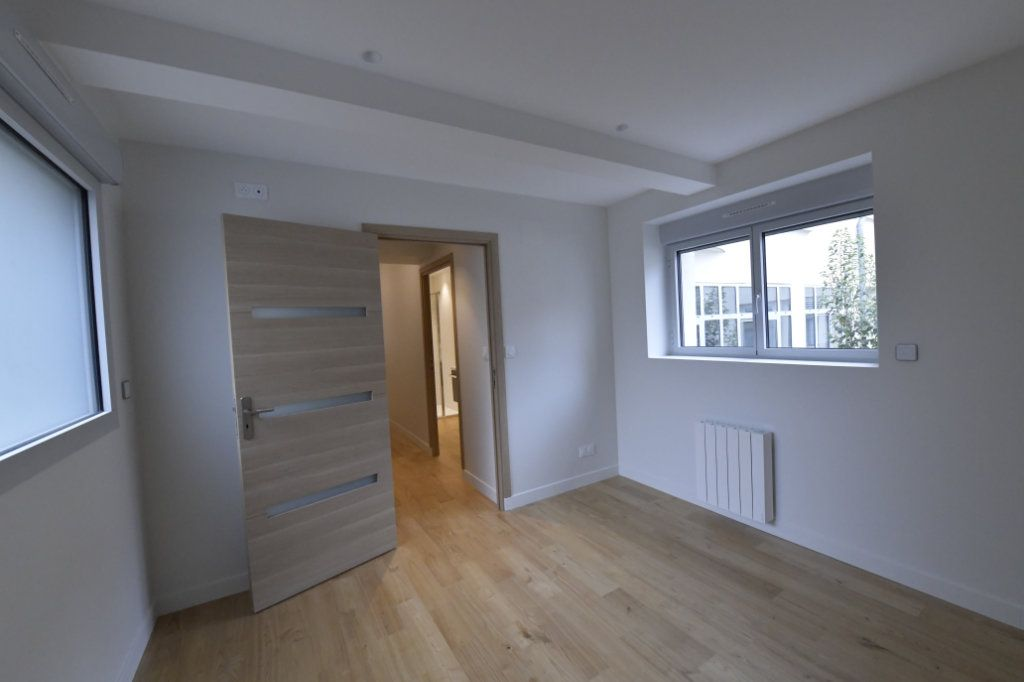 Appartement à vendre 5 138m2 à Clermont-Ferrand vignette-5