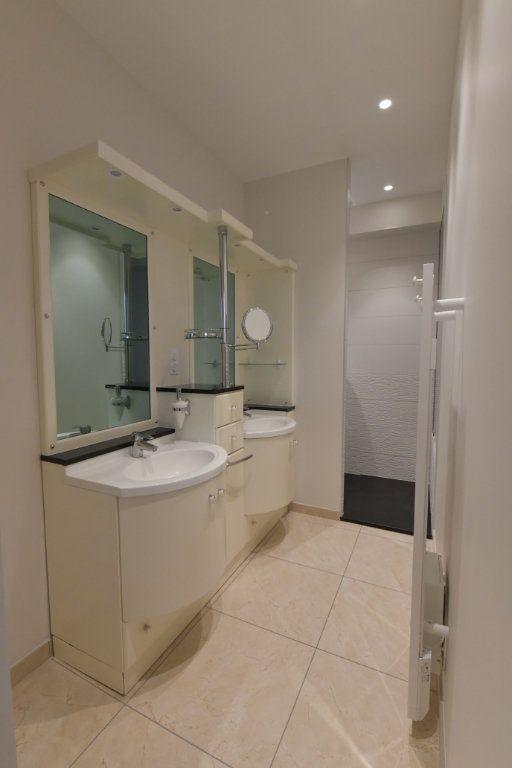 Appartement à vendre 5 138m2 à Clermont-Ferrand vignette-9