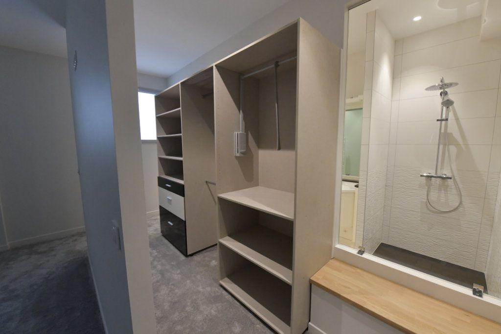 Appartement à vendre 5 138m2 à Clermont-Ferrand vignette-10