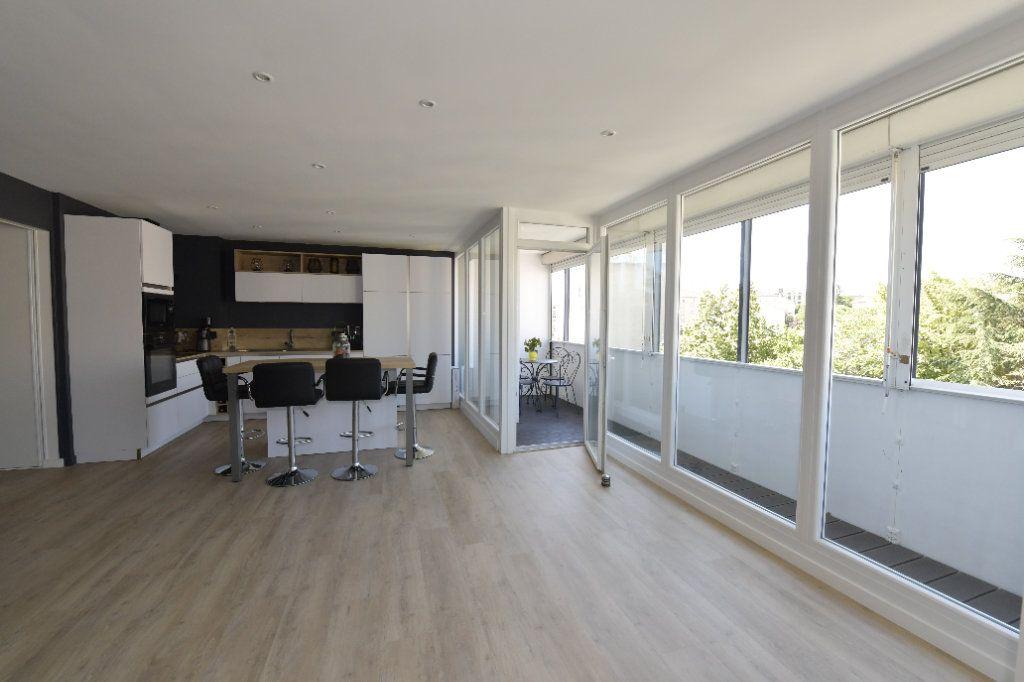 Appartement à vendre 3 89.26m2 à Clermont-Ferrand vignette-2