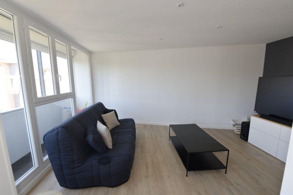 Appartement à vendre 3 89.26m2 à Clermont-Ferrand vignette-5