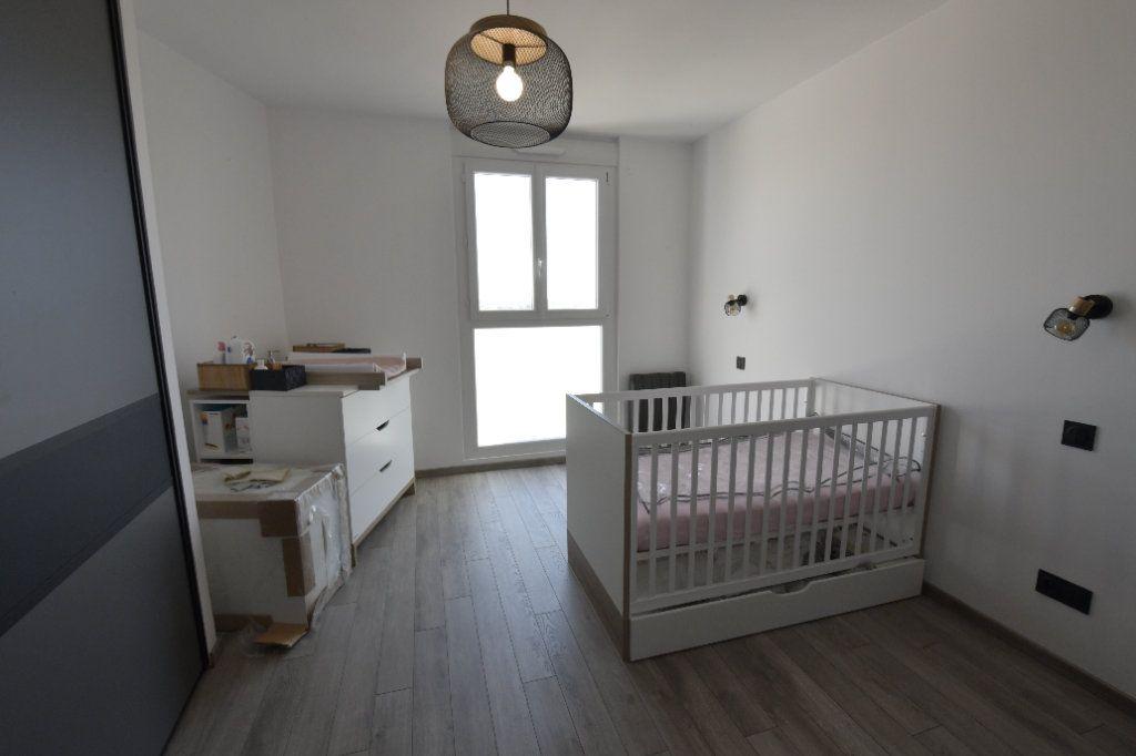 Appartement à vendre 3 89.26m2 à Clermont-Ferrand vignette-6