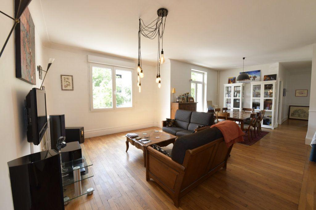 Appartement à vendre 8 158.1m2 à Clermont-Ferrand vignette-3