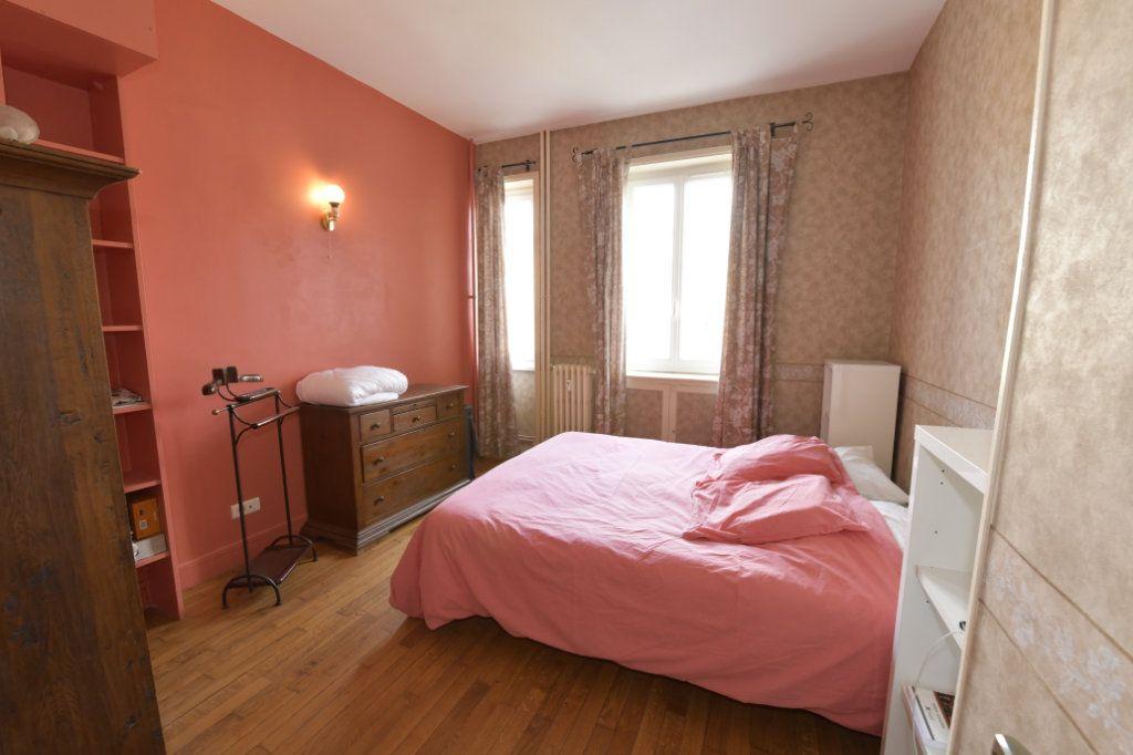 Appartement à vendre 8 158.1m2 à Clermont-Ferrand vignette-5