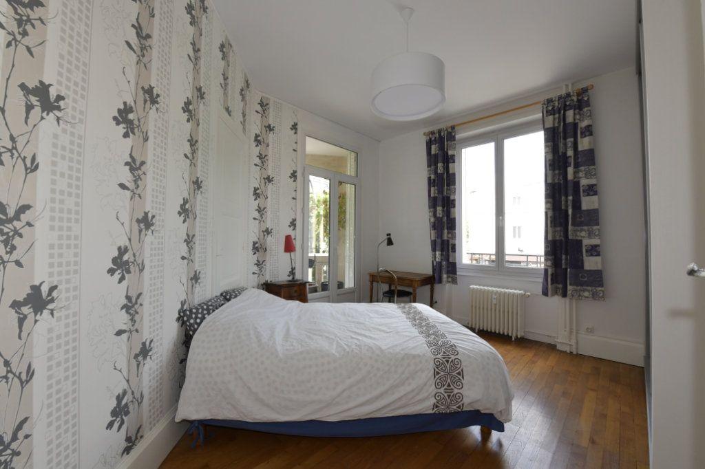 Appartement à vendre 8 158.1m2 à Clermont-Ferrand vignette-8