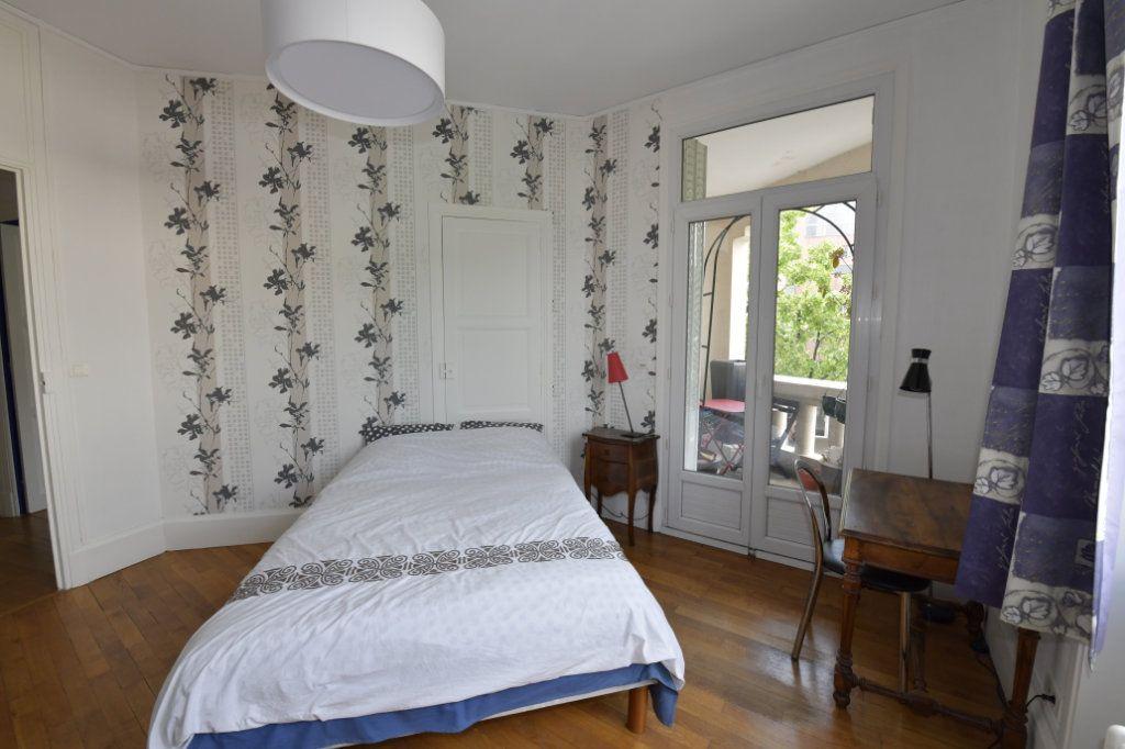 Appartement à vendre 8 158.1m2 à Clermont-Ferrand vignette-9