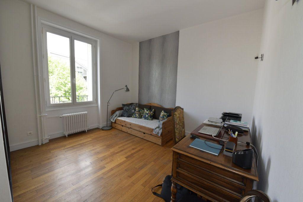 Appartement à vendre 8 158.1m2 à Clermont-Ferrand vignette-10
