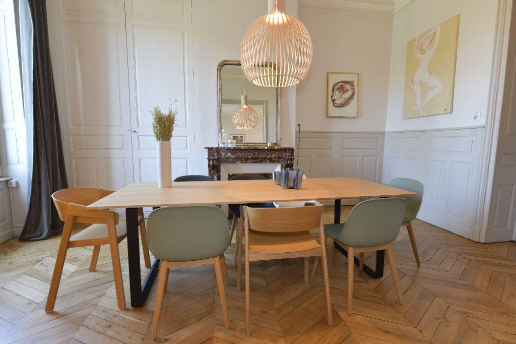 Appartement à vendre 6 139m2 à Clermont-Ferrand vignette-1