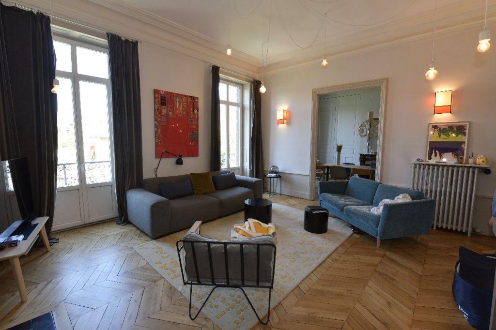 Appartement à vendre 6 139m2 à Clermont-Ferrand vignette-2