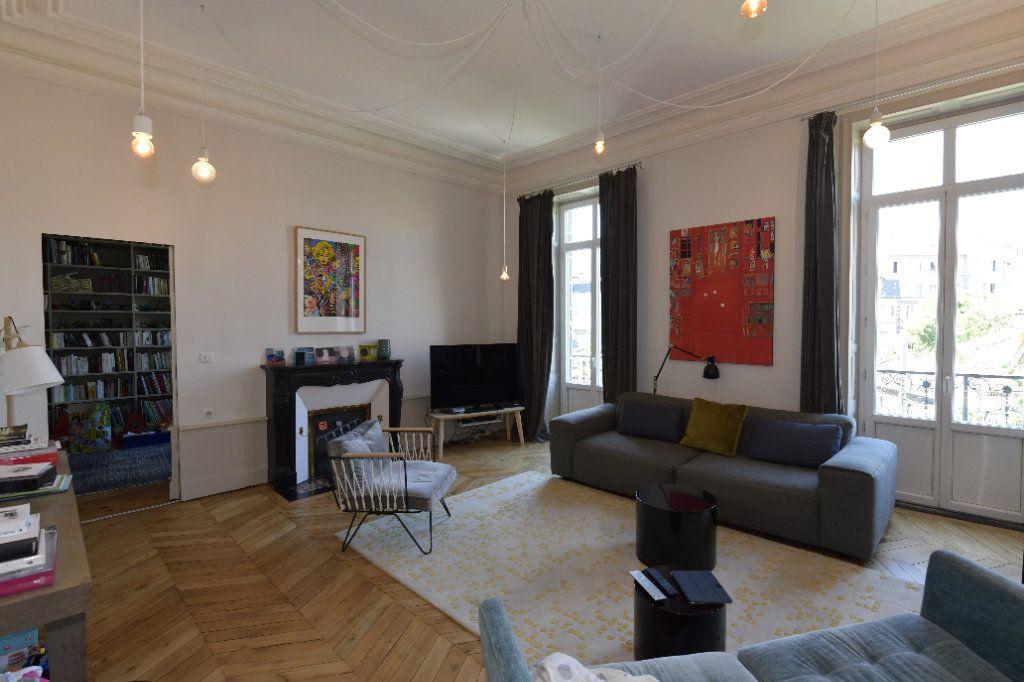 Appartement à vendre 6 139m2 à Clermont-Ferrand vignette-3