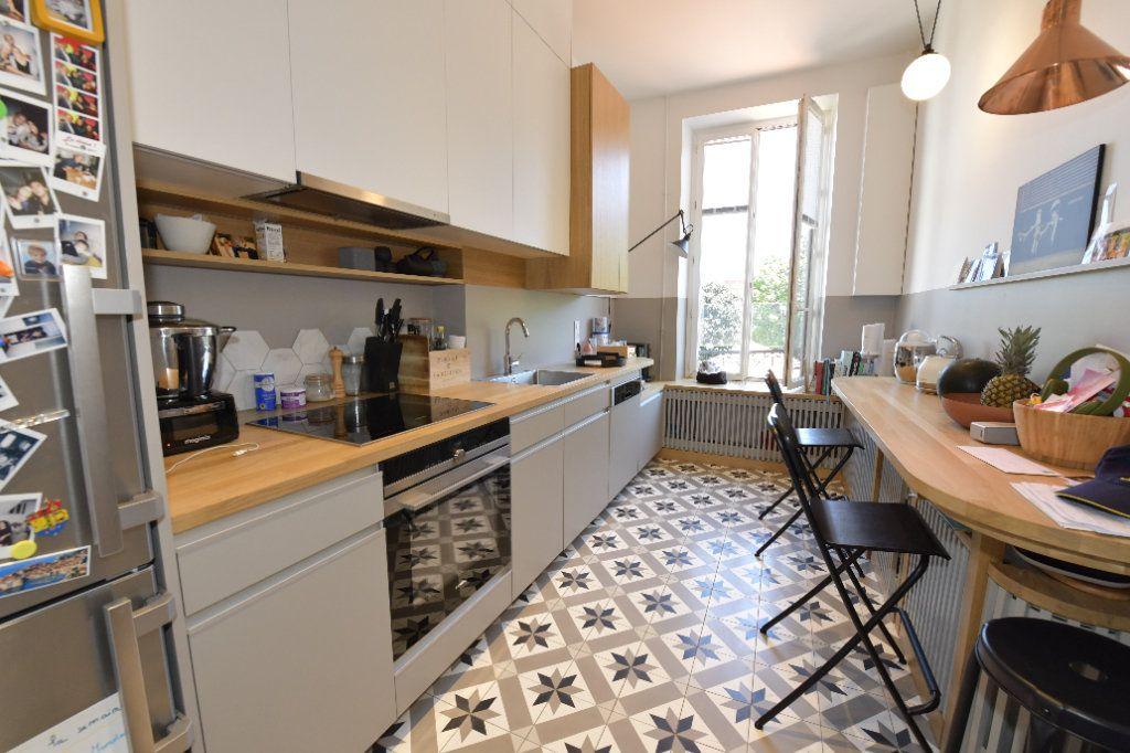 Appartement à vendre 6 139m2 à Clermont-Ferrand vignette-4